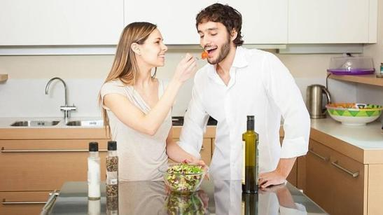 http://www.abc.es/familia-parejas/20140714/abci-convivir-antesdel-matrimonio-201407091341.html